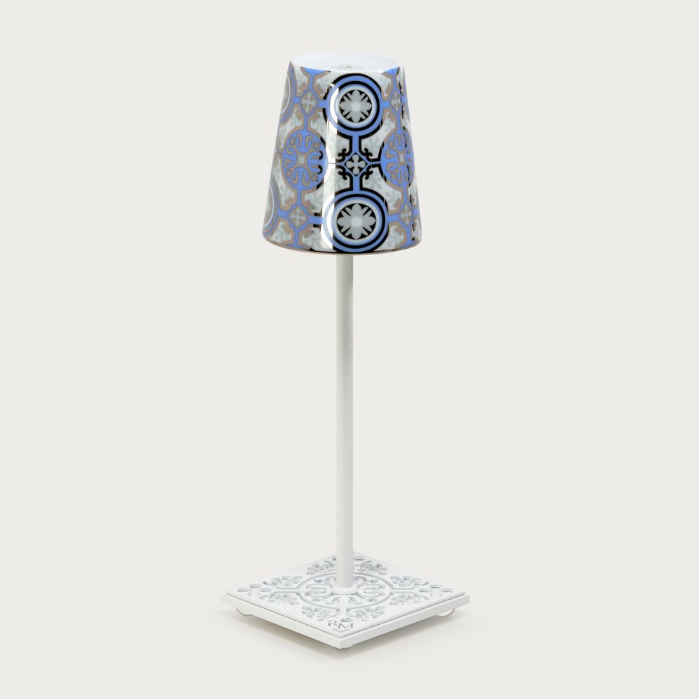 White table lamp Egalyères - lampshade casteu light blue