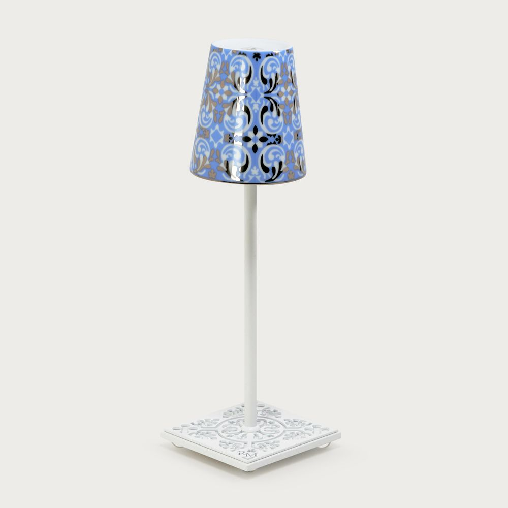 White table lamp Egalyères - lampshade oustau light blue